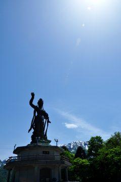 ブロンズ観音像 平和の像