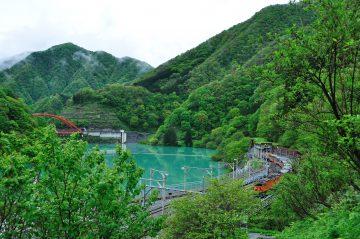 うなづき湖とトロッコ電車