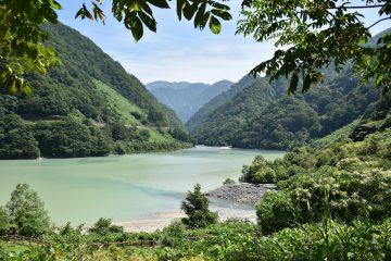 うなづきダム湖