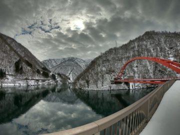 冬の宇奈月湖