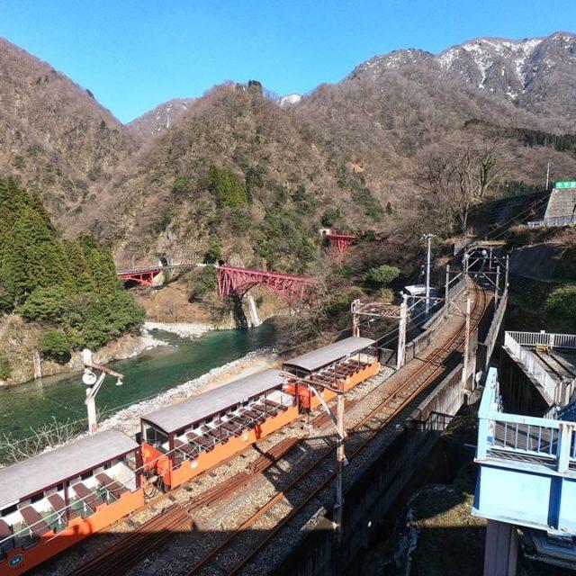 黒部峡谷鉄道3月風景