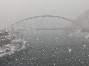 雪景色の宇奈月温泉街2